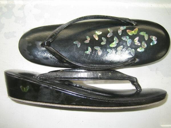 婦人和草履のカビ汚れ修復ビフォー
