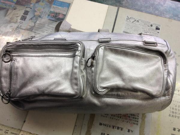シルバーラメの皮革バッグの塗装アフター3