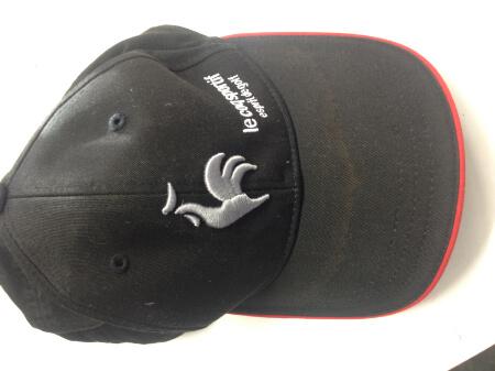 ルコックスポルティフのキャップ・帽子の汗染みビフォー