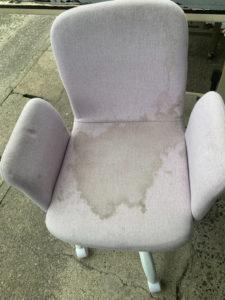 子供勉強椅子のクリーニング